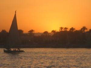 Sončni zahod ob Nilu v Egiptu