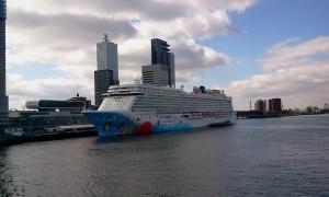 NCL Breakaway in Rotterdam